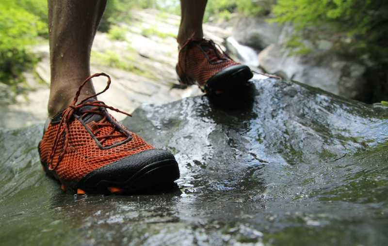 Why You Need Good Arch Support For Your Water Shoes?