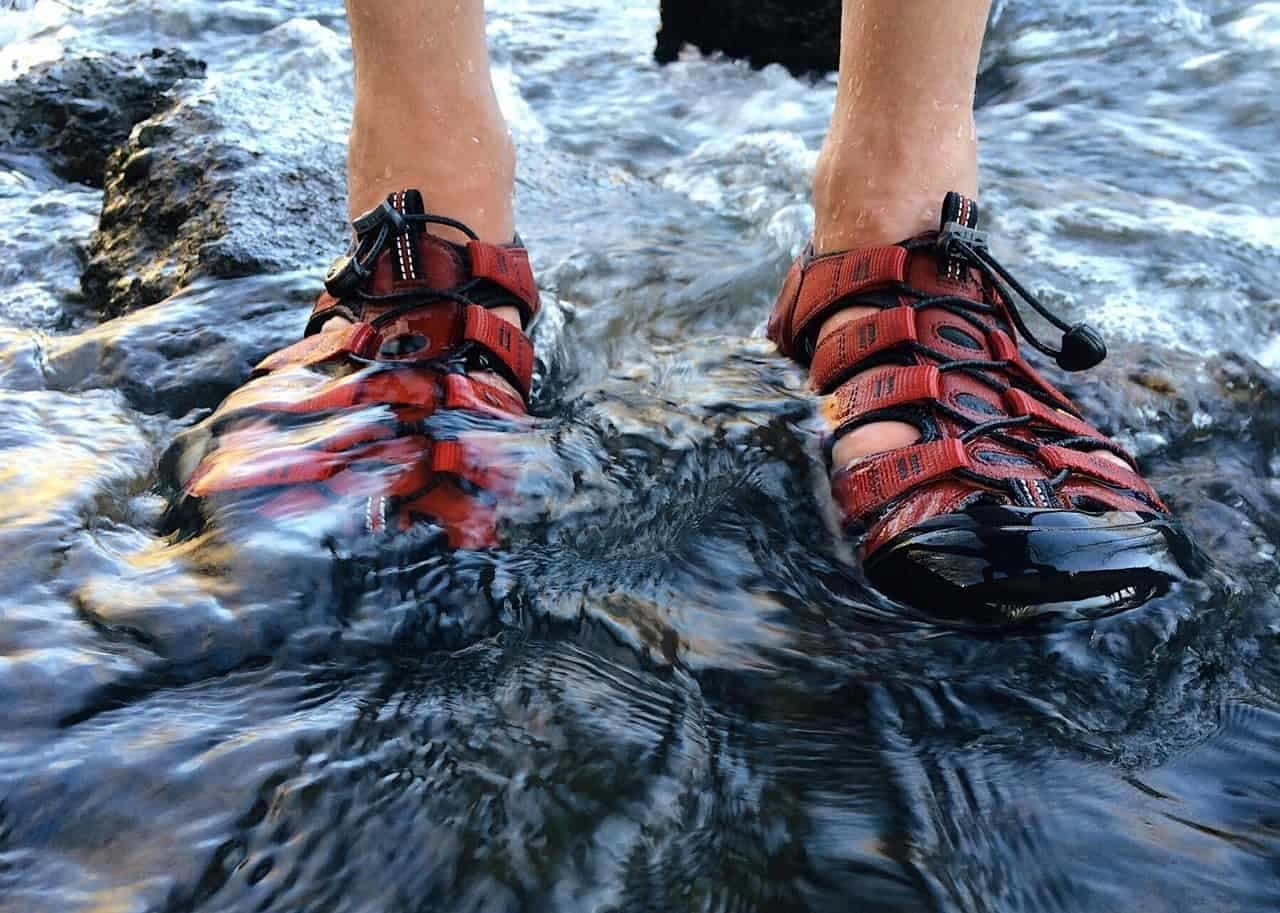 Water Sandals vs Water Shoes – The Ultimate Guide